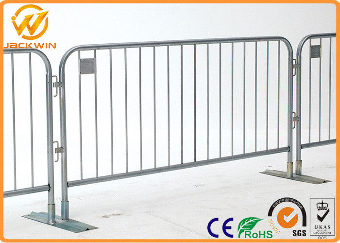 Temporary metal Fencing Crowd Control Barrier , road safety barriers Reinforced Fixed Legs